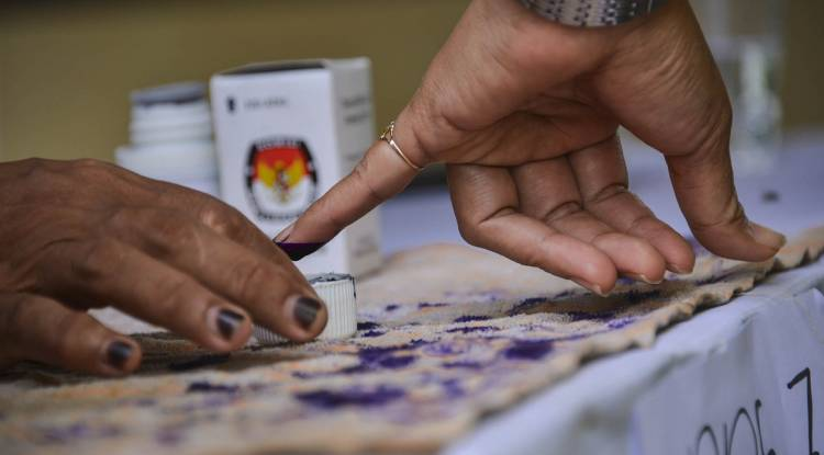 Indonesia: Democratic hopes, institutional woes