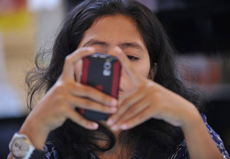 A better use for smartphones in Makassar
