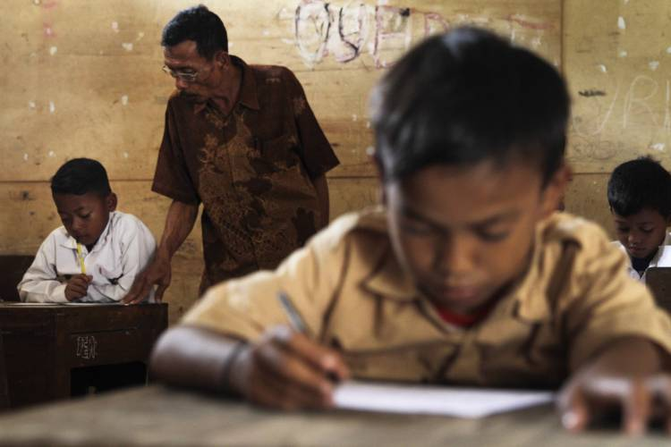 'Naturalizing' Indonesian formal education